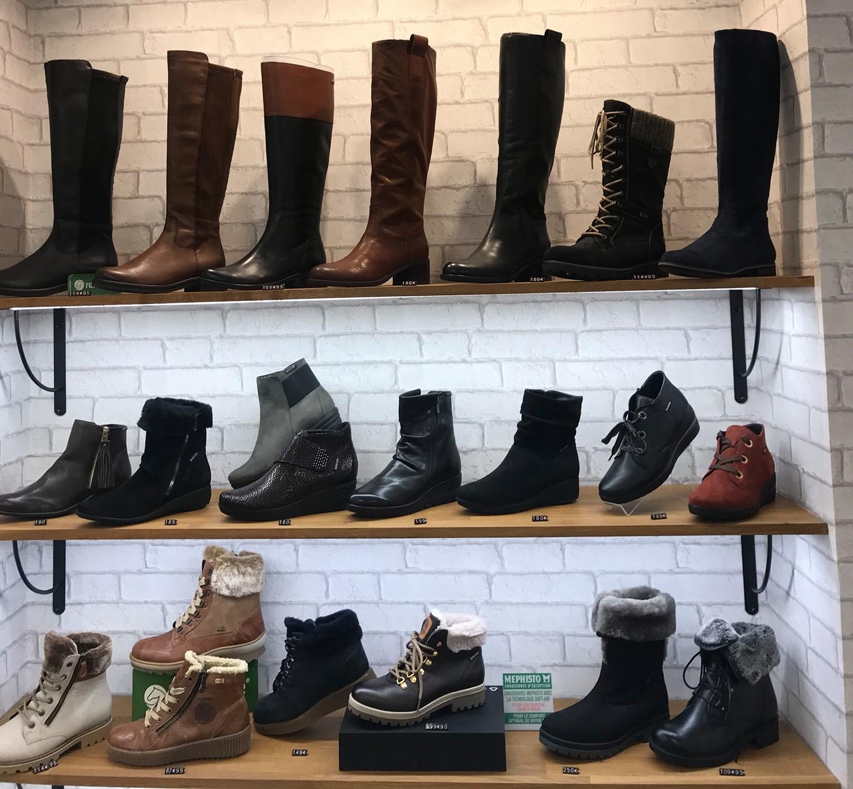 Présentoir des chaussures pour Femmes